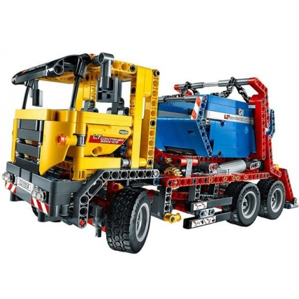 Camion cu container 42024 LEGO Technic - lateral fata